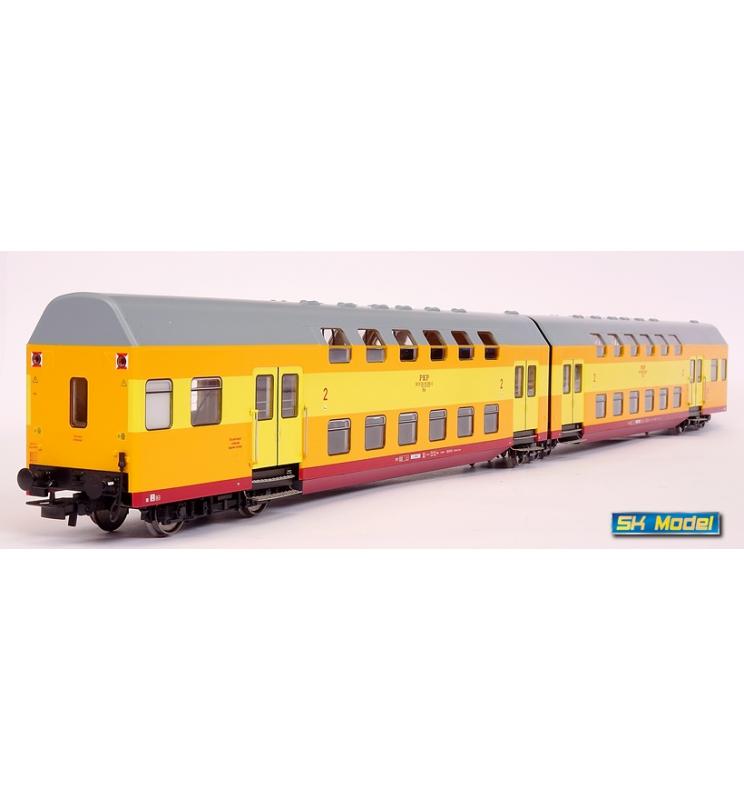 Dwuczłonowy zespół wagonów piętrowych, seria Bhp, żółto-pomarańczowo-czerwony (jajecznica), PKP, Legnica - Rivarossi HRS4232