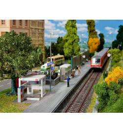 Współczesne przystanki kolejowe - Faller 120240