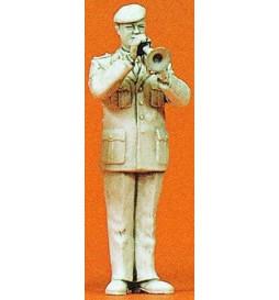 Orkiestra wojskowa: muzyk ze skrzydłówką 1/35 - Preiser 64366