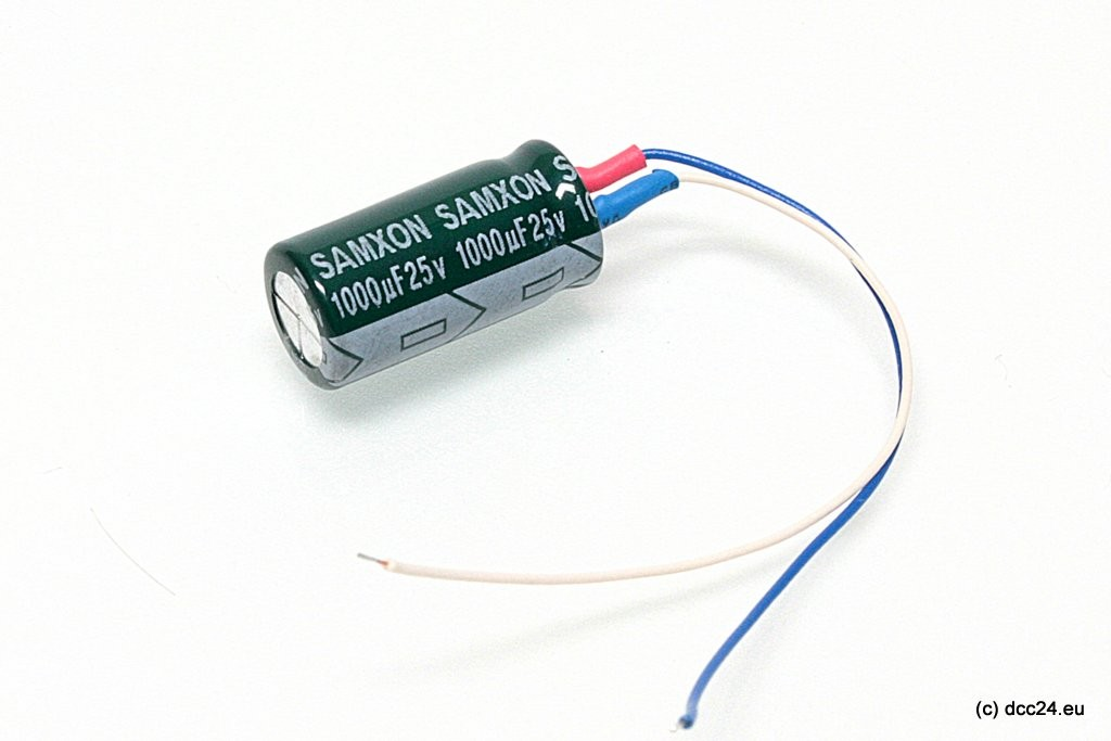 Podłączyć kondensator elektrolityczny