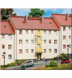 Auhagen 11402 - Blok mieszkalny