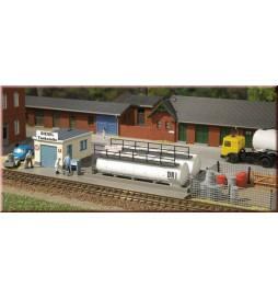 Auhagen 13326 - Stacja tankowania lokomotyw spalinowych TT