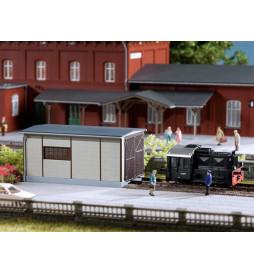Auhagen 13333 - Szopa dla małej lokomotywy manewrowej TT