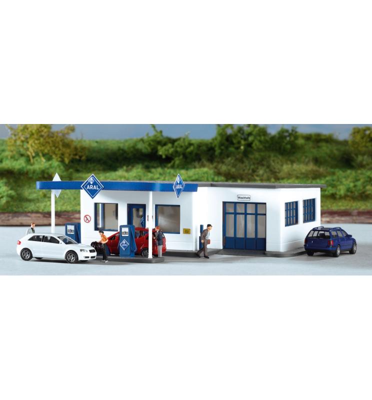 Stacja benzynowa ARAL - Piko 61827