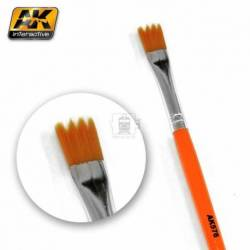 AK-576 - WEATHERING BRUSH SAW SHAPE ( AK Interactive AK576 )