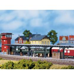 Auhagen 11376 - Długi peron zadaszony