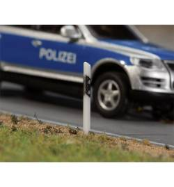 32 słupki drogowe - Faller 180931