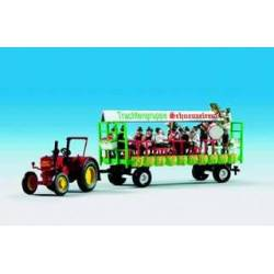 Kibri 12226 - H0 LANZ tractor with float incl. 6 figures