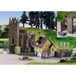 Kibri 36401 - Z Church ruins with house, open air stage and