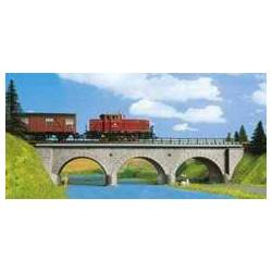 Kibri 39721 - H0 Stone arch bridge with ice breaking pillars
