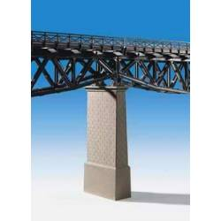 Kibri 39751 - H0 Brick-built centre pillar with concrete base,