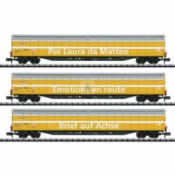 Trix 15874 - High-Capacity Sliding Wall Boxcar Set.
