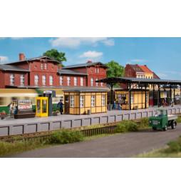 Auhagen 11452 - Zabudowania oraz wyposażenie stacyjne