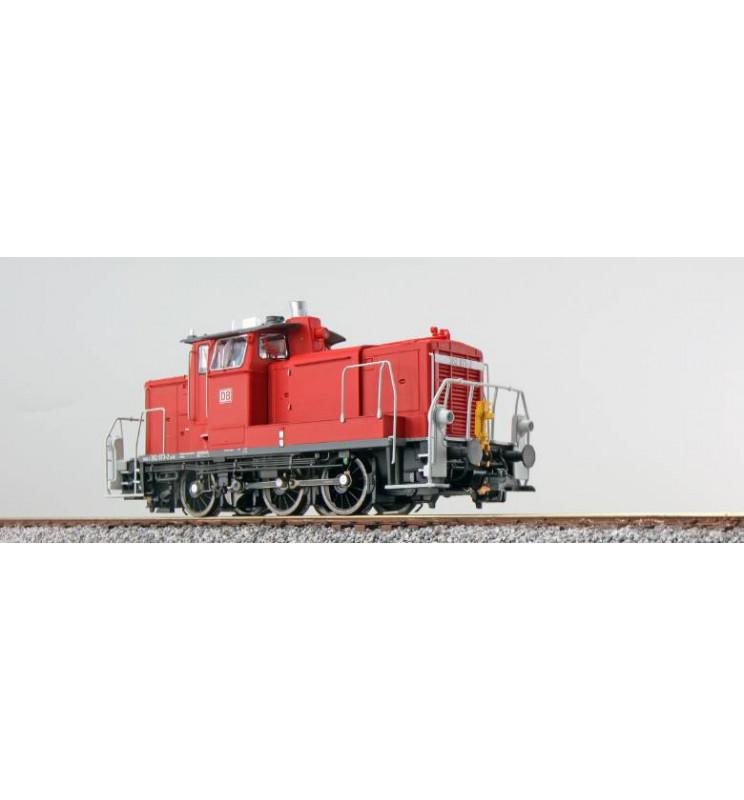 ESU 31412 - Lok. spalinowa BR 362 873, DB, Ep VI, czerwona, LokSnd 5.0, Generator dymu, elektr. sprzęgi, Skala H0, DC/AC