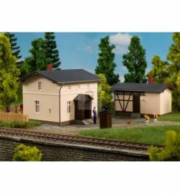Auhagen 13347 - Railwayman's house with side building