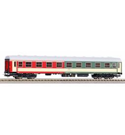 Piko 97617 - Wagon pasażerski 104A 1/2 kl PKP,ep. V